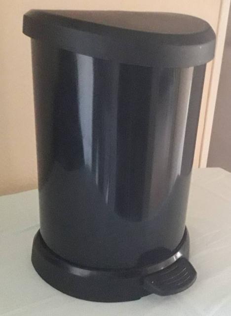Poubelle de cuisine  20 litres